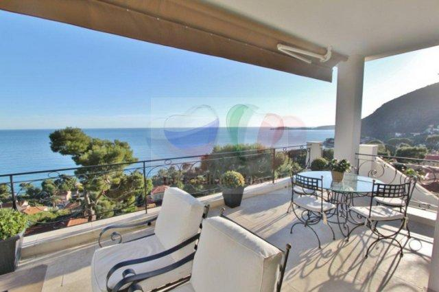 Acquista in villa Eze, casa con vista mare